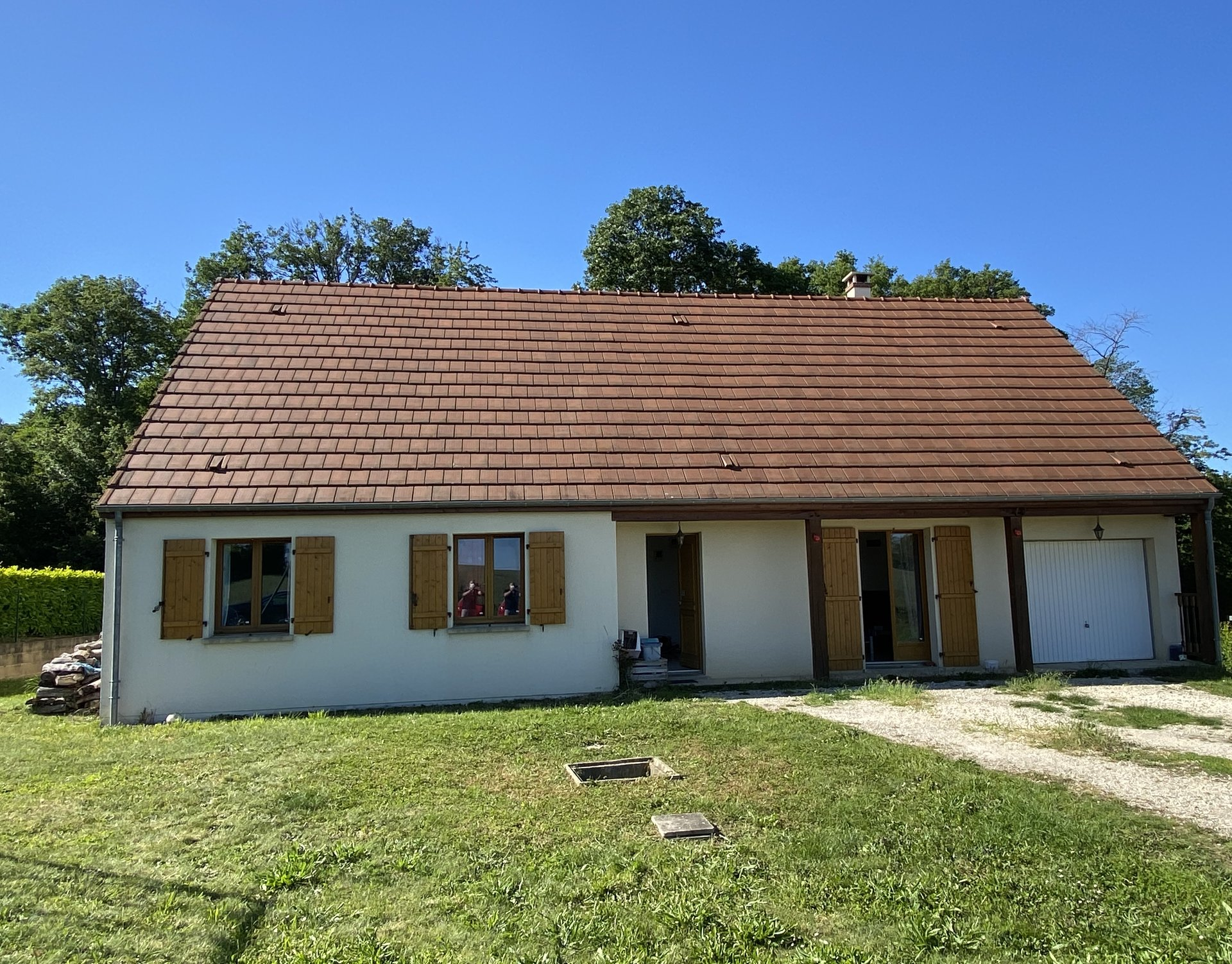 Sale House - Villeneuve Sur Yonne