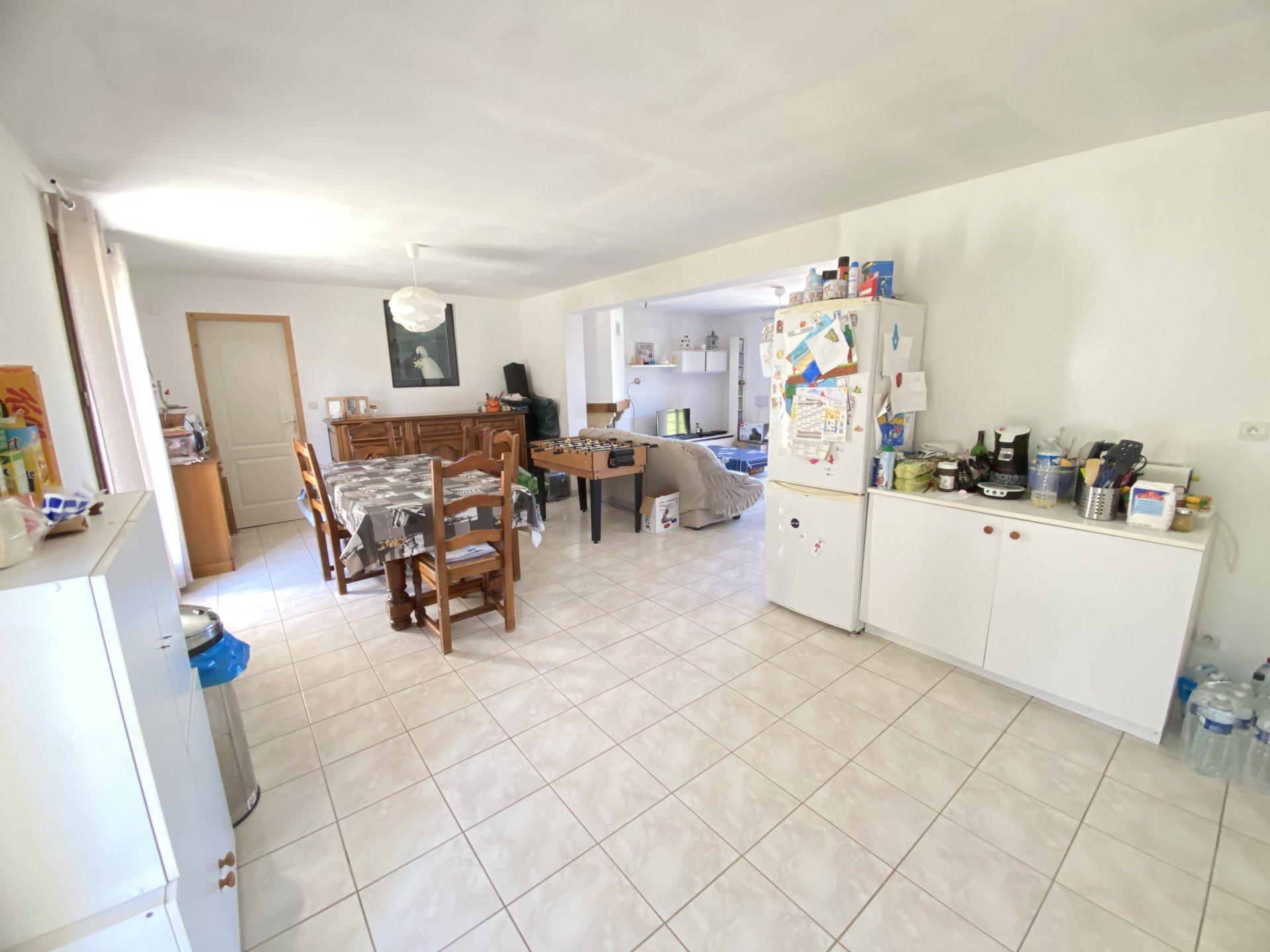 Sale House - Villeneuve-sur-Yonne