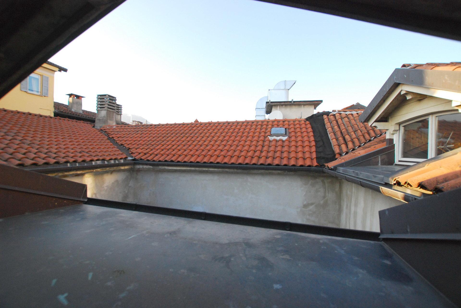 Renovated attic for sale on Verbania lakefront - glimpse