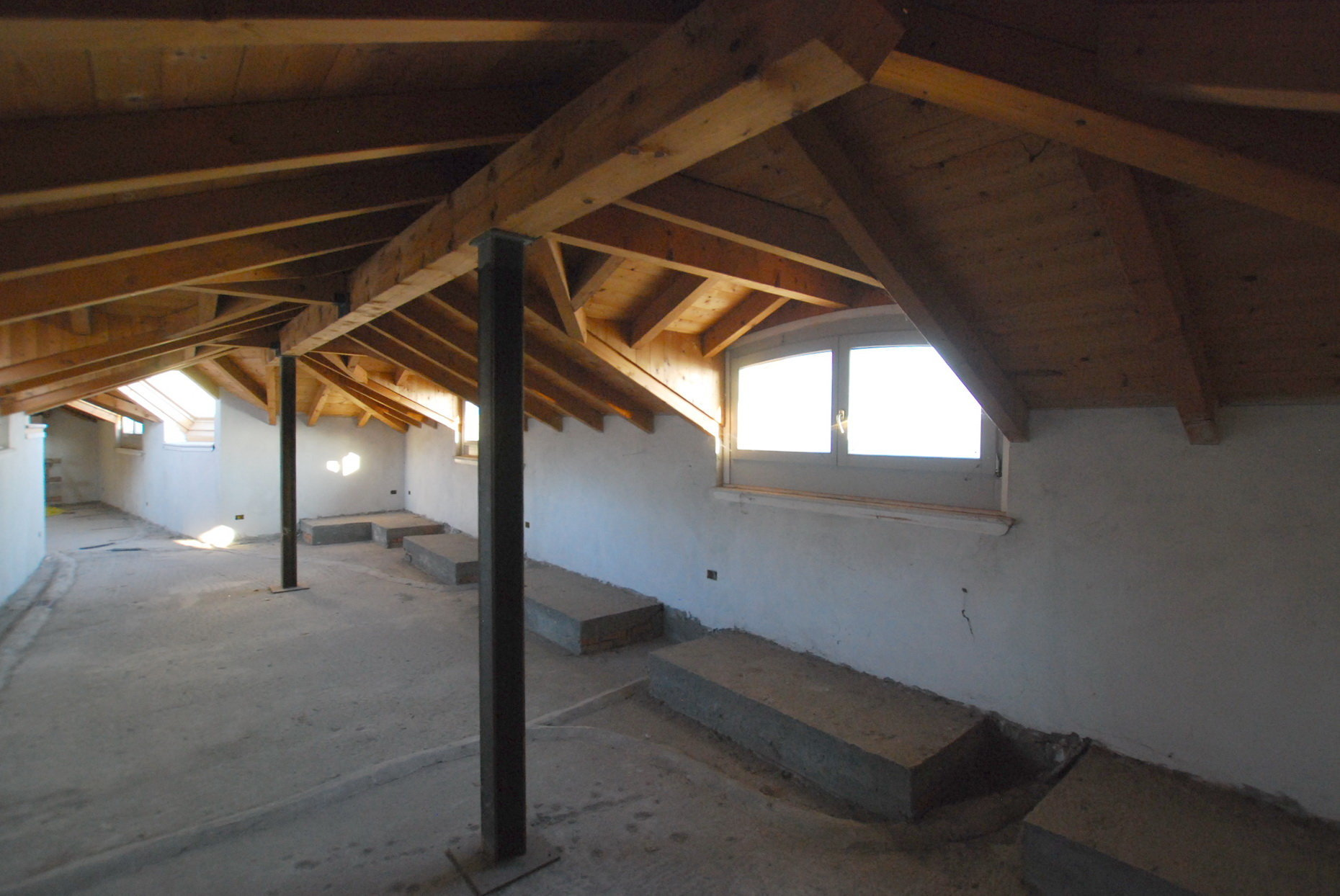 Renovated attic for sale on Verbania lakefront - living area
