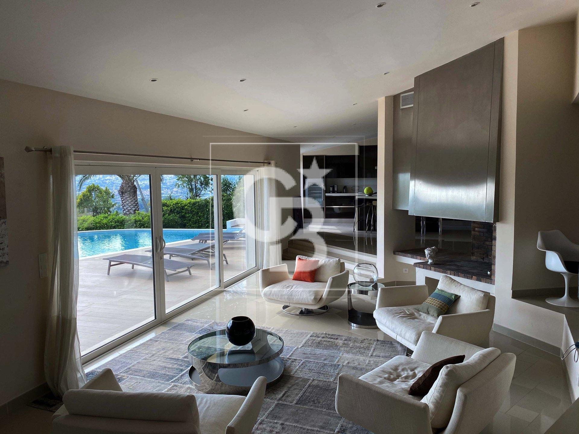 Gorgeous villa in a secured domaine