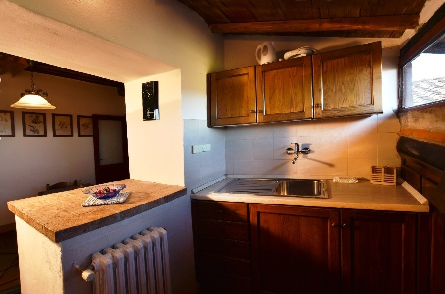 ITALY, TUSCANY, CHIANTI, POOL, APARTMENT IN FARMHOUSE FOR 4 PERSONS