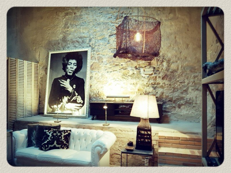 Rare : Cannes Old Town 2-bedroom Loft 100 sqm Courtyard and Garage