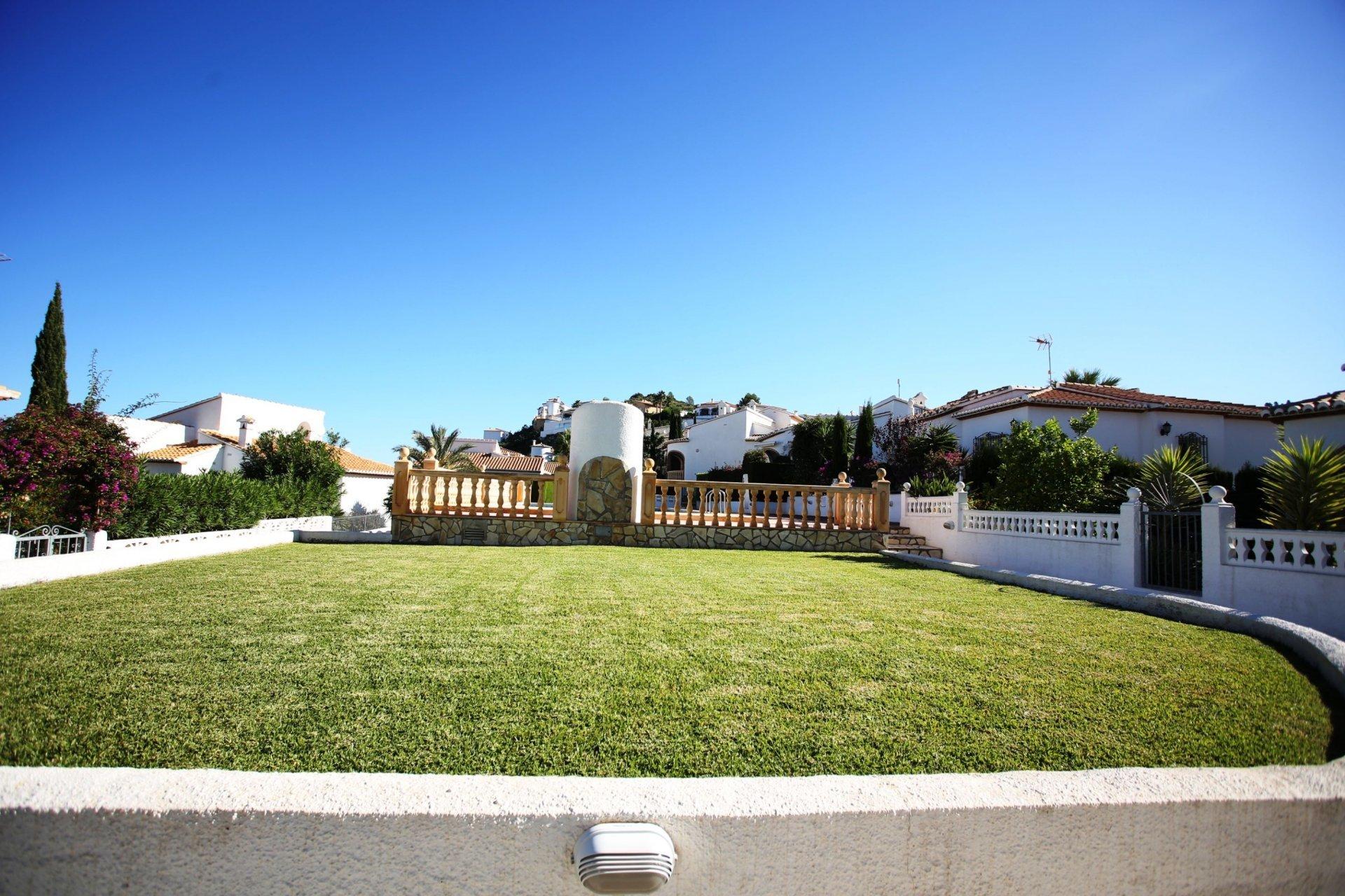 Villa individuelle sur un terrain d'angle orienté sud-ouest