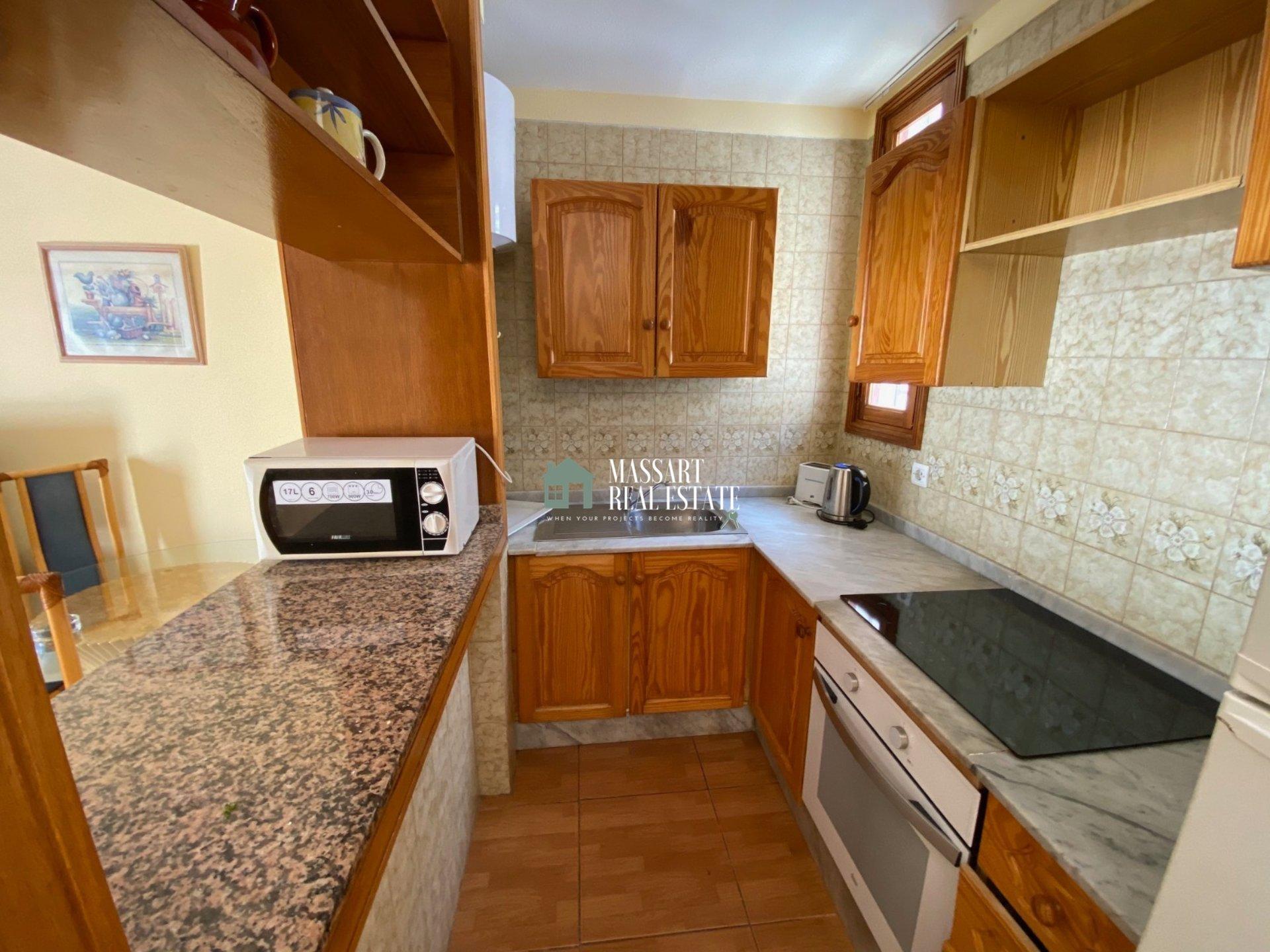 En venta en San Eugenio (Costa Adeje), en el complejo residencial Tinerfe Garden, apartamento amueblado de 60 m2.