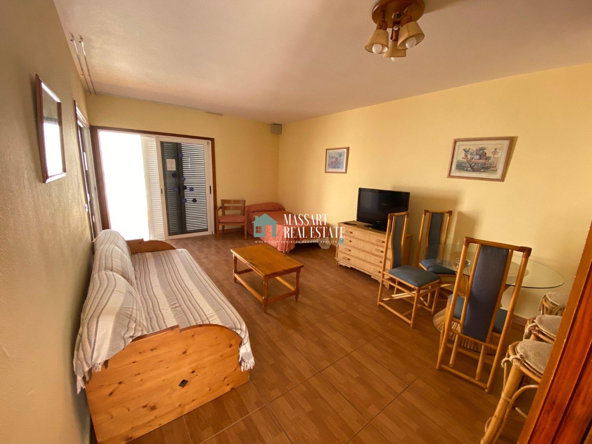 Te koop in San Eugenio (Costa Adeje), in het wooncomplex Tinerfe Garden, gemeubileerd appartement van 60 m2.