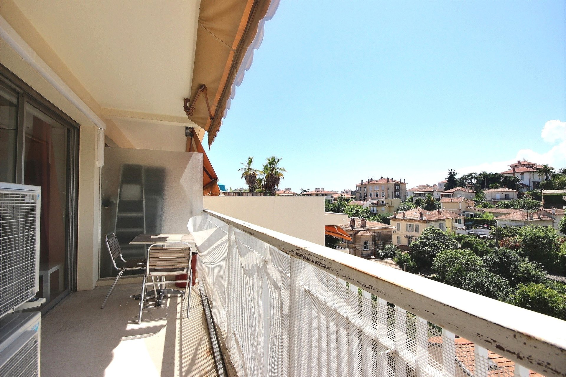 Cannes Carnot apartment for sale