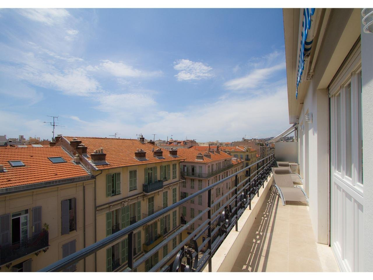 Appartement  3 Rooms 47m2  for sale   520 000 €