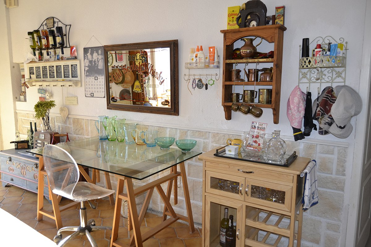 Beautiful stone house T6 located in peace on 1360 m ² of ground. Swimming pool. Canal du midi