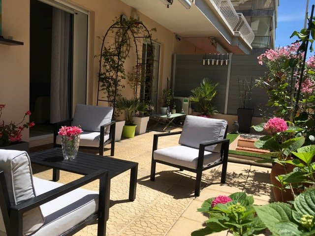 Cannes apartment for sale in Palm Beach
