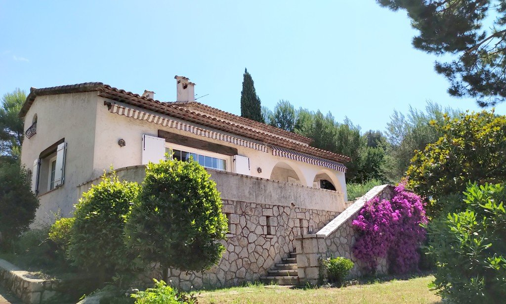 Lovely provencal house near the center, Antibes