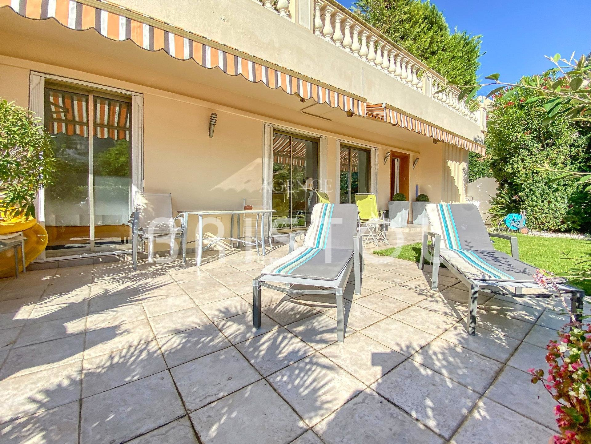 Apartment villa for sale in Beaulieu with terrace and garden
