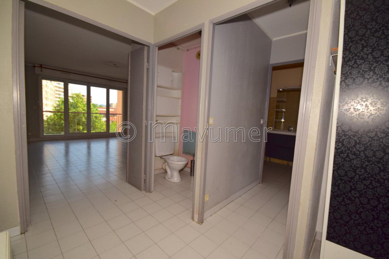 Appartement T3 avec terrasse et PK 13004 Marseille Les Chutes Lavie