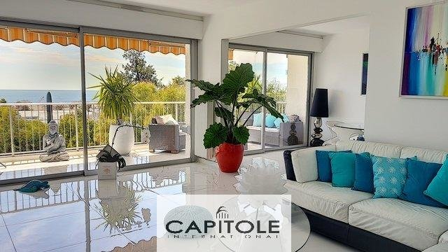 For sale, Golfe-Juan close to Antibes, sole agent property, top floor panoramic sea view 93 m² 2 bedroom apartment, terrace