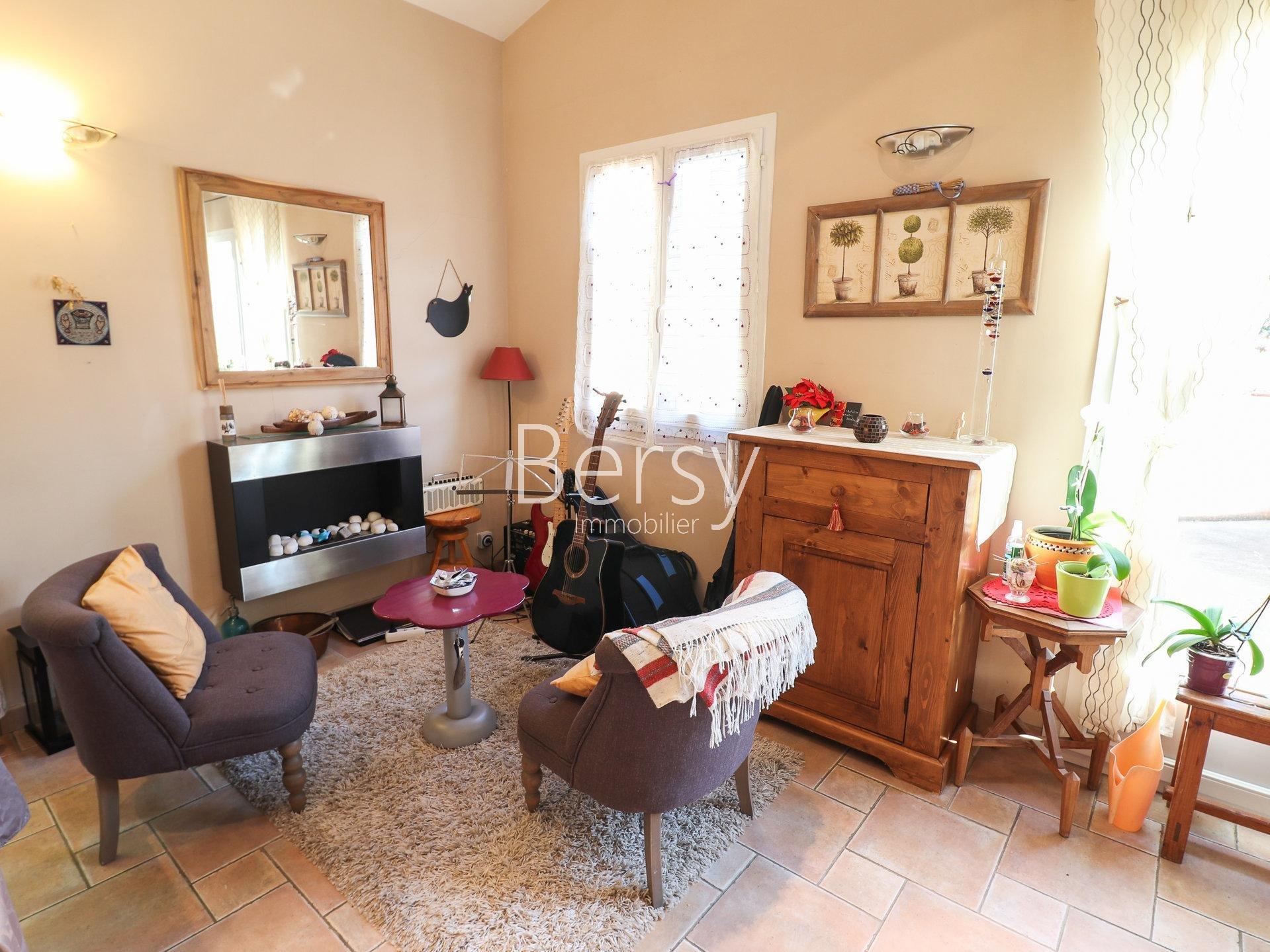 TROP TARD, C'EST VENDU ! _ Maison de famille de 215m² - 6/7 chambres - 2500m² de terrain - piscine et garage de 50 m²