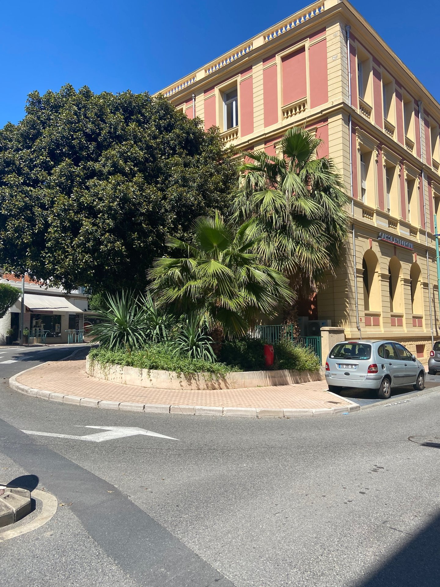 Sale Business assets - Menton