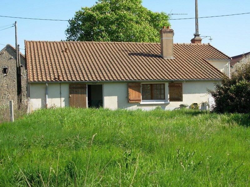 La Bussière (86): huis met tuin, restauratie af te maken.