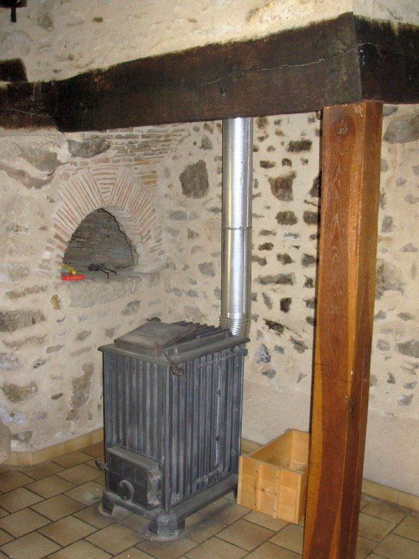 The Brenne, Prissac: house with small bread oven