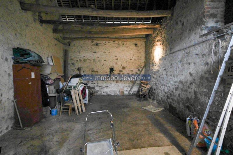 Ruim, halfvrijstaand woonhuis in een klein hameau