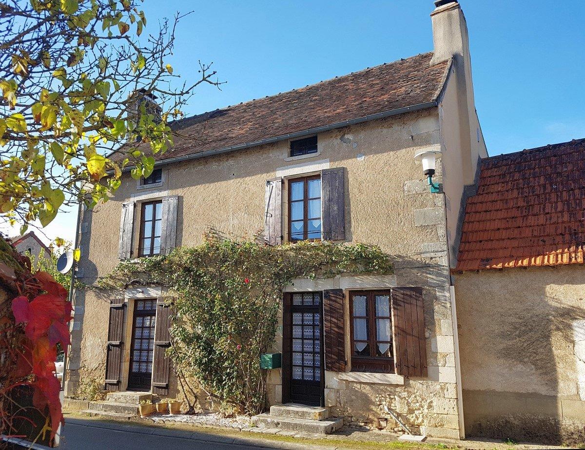 In der Nähe von Saint Savin (Vienne 86): herrliches Haus mit Garage