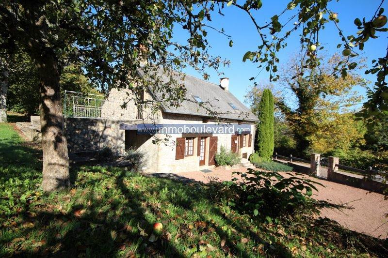 Mooi natuurstenen huis te koop in de Bourgogne, nabij Anost