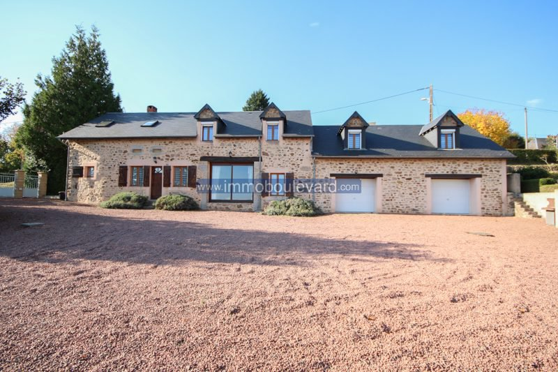 House in perfect condition in the Morvan, view on the Mont Blanc!