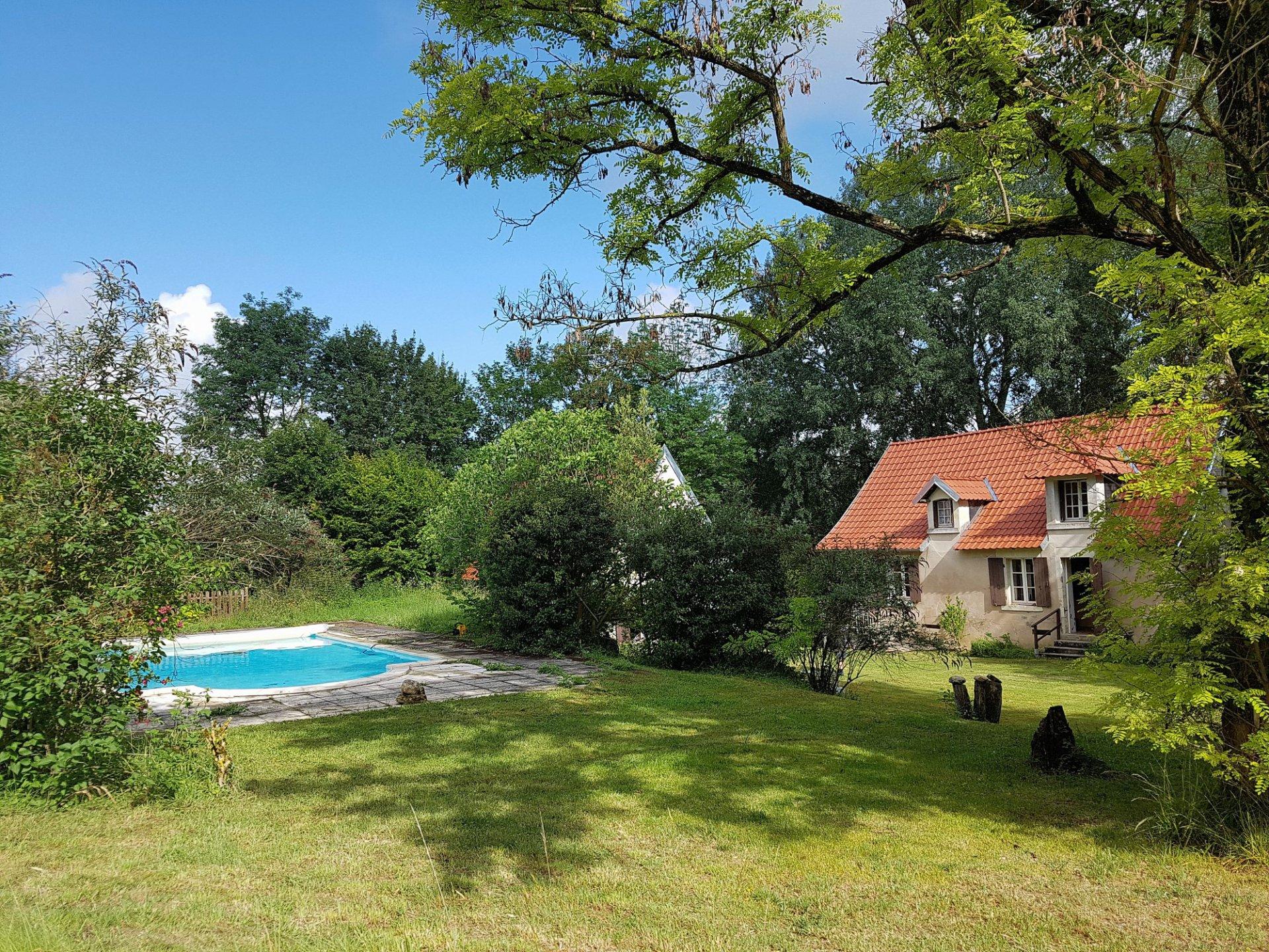 Touraine du Sud (37), huis met zwembad en meer