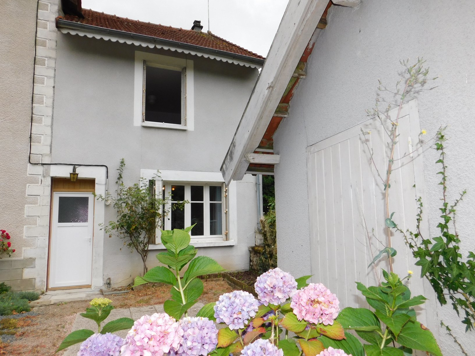 Renovated village house with garden in National Park