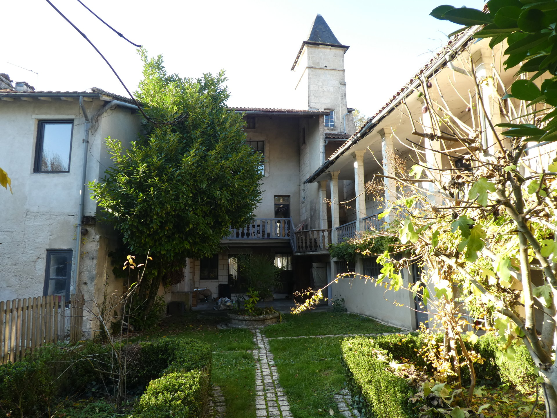 Beautiful 17th century property in a popular touristic town