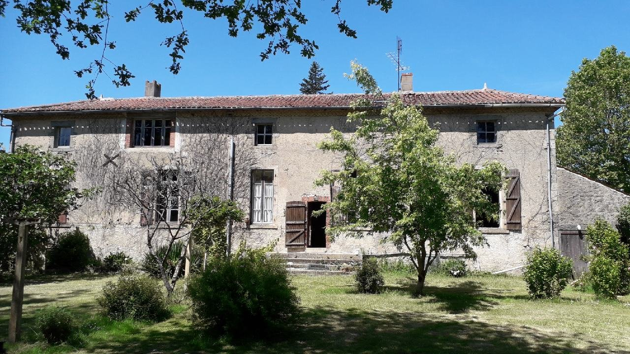 Classic French character property to renovate with charming gardens