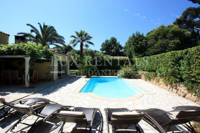 Thumbnail 1 Seasonal rental Villa - Cap d'Antibes