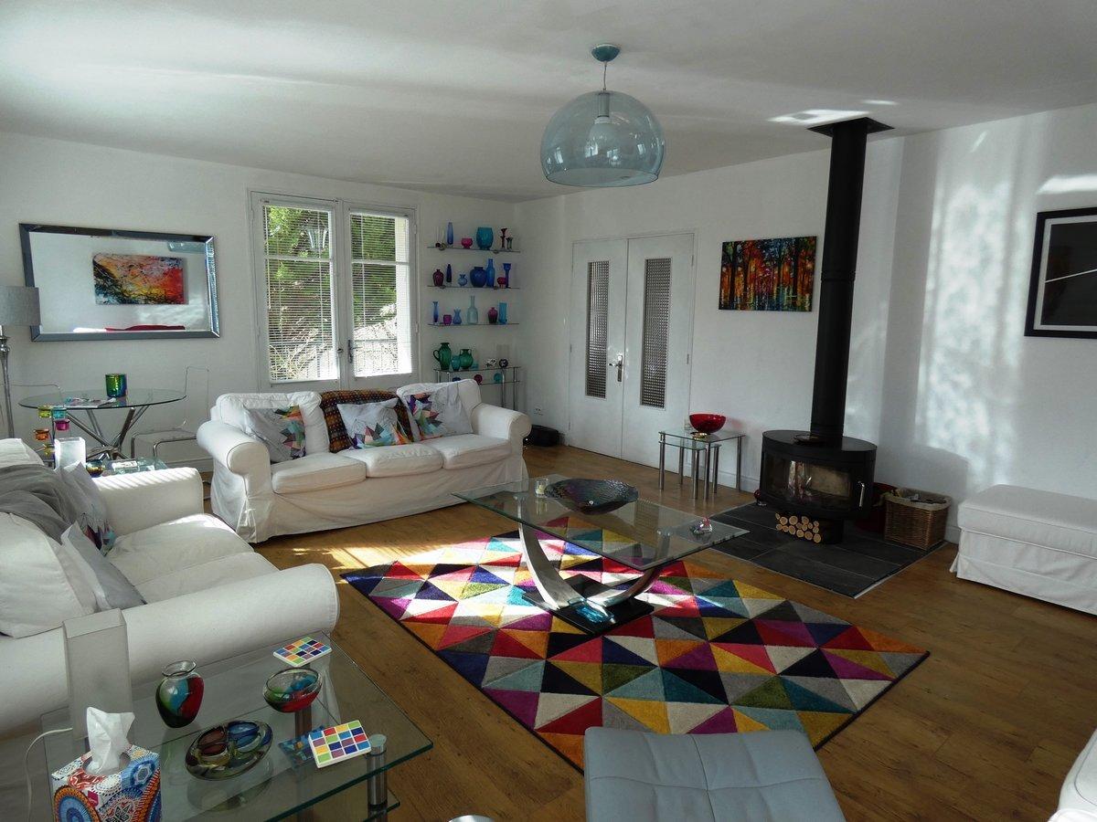Attractive 4 bedroom villa