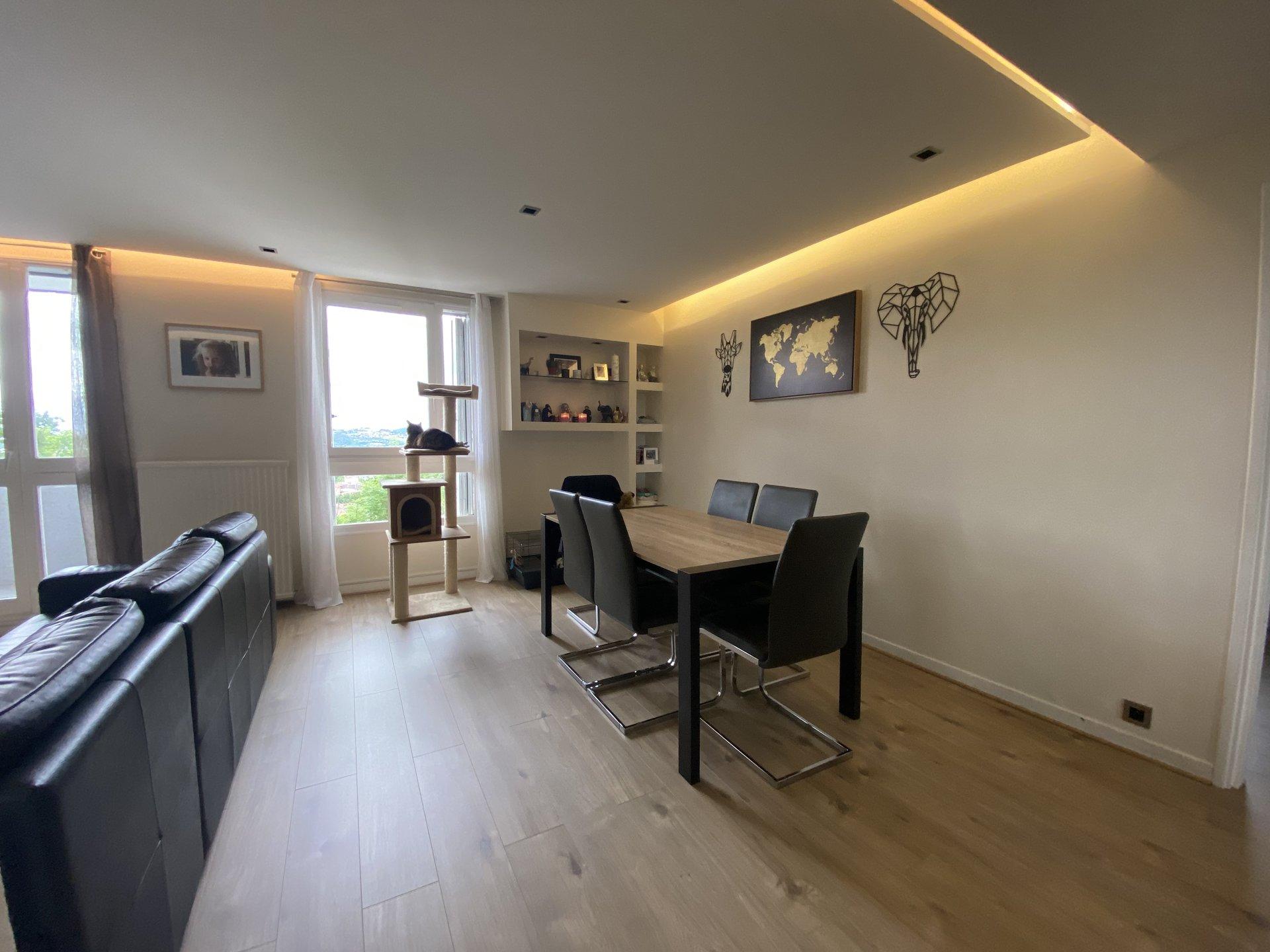 Saint Etienne Montaud - T5 84 m² avec balcon