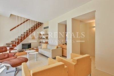 Продажа Двухуровневая квартира - Кап д'Антиб (Cap d'Antibes)