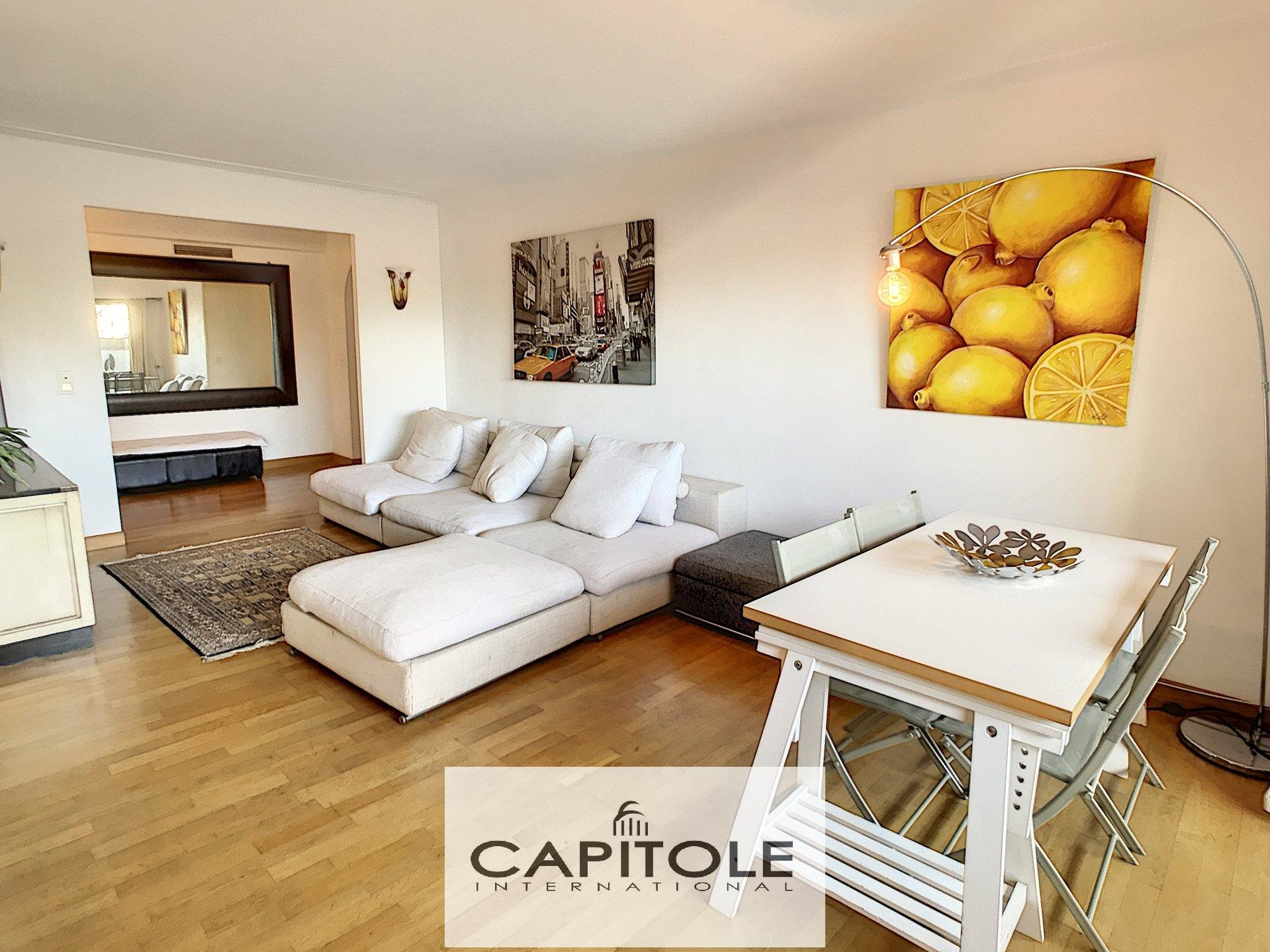For sale, city center of ANTIBES, 100 m² dual aspect 2 bedroom apartment