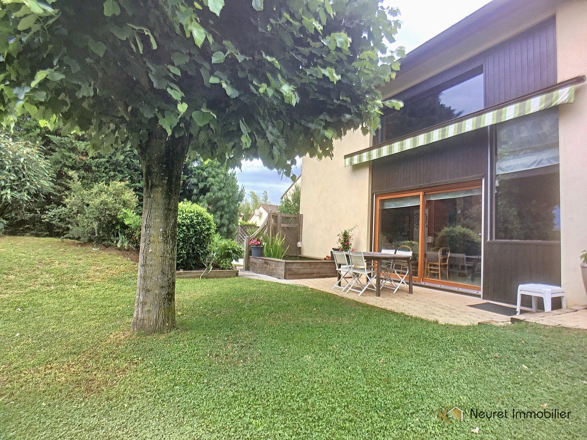Maison d'architecte - Limite Caluire - 190m2 - terrain 1465m2