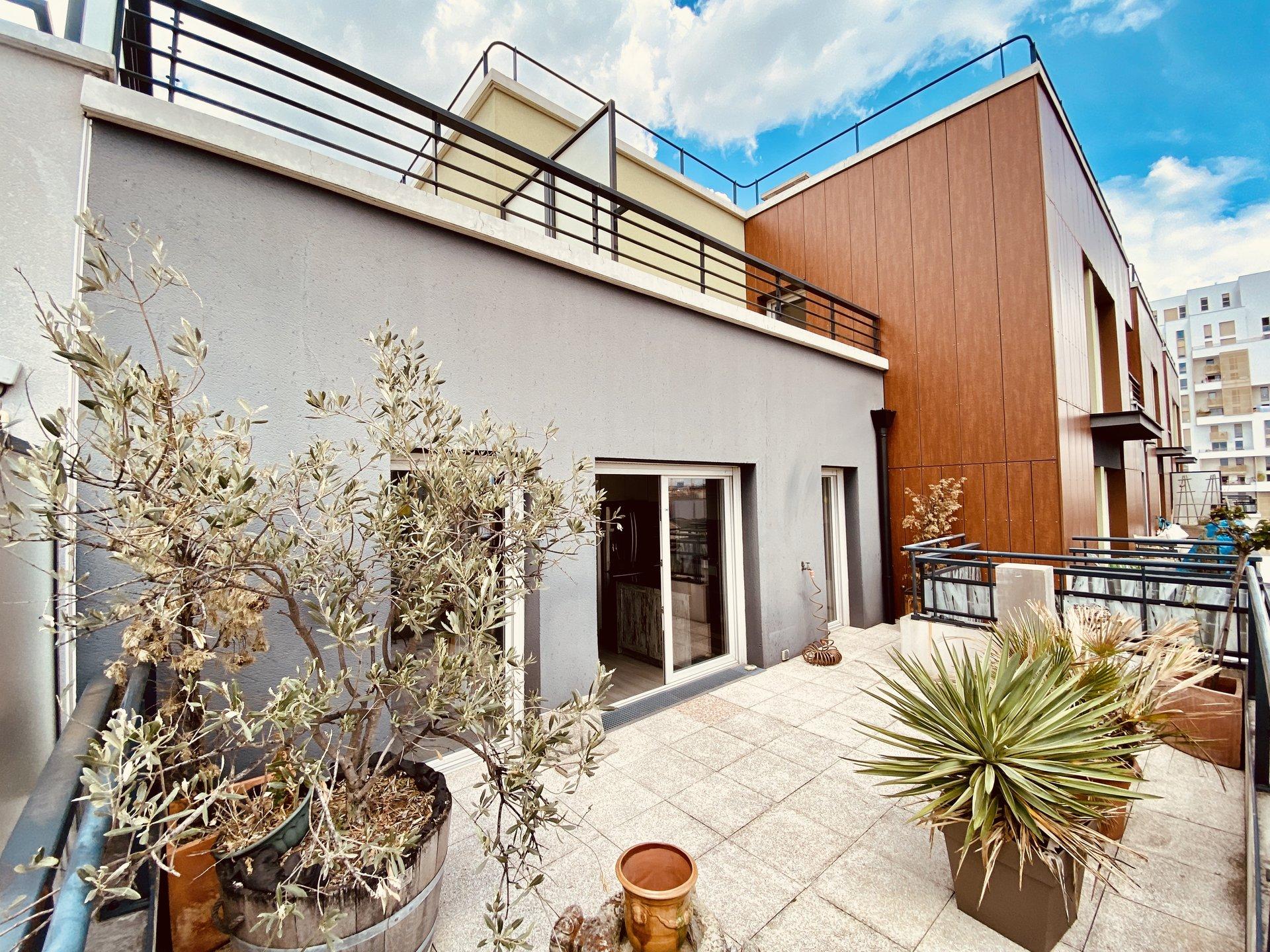 Duplex - 5 pièces - Terrasses - Parking