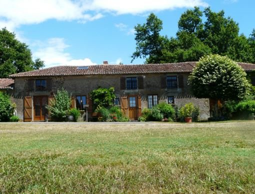 Gorgeous traditional farmhouse and farm with 3 bed gite and over 48 hectares of pasture land, barns