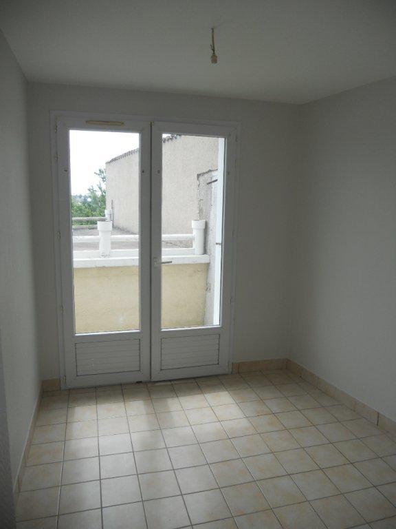 Maison proche centre ville de Thouars - 4 Pièce(s) - 91.37 m² (env.)