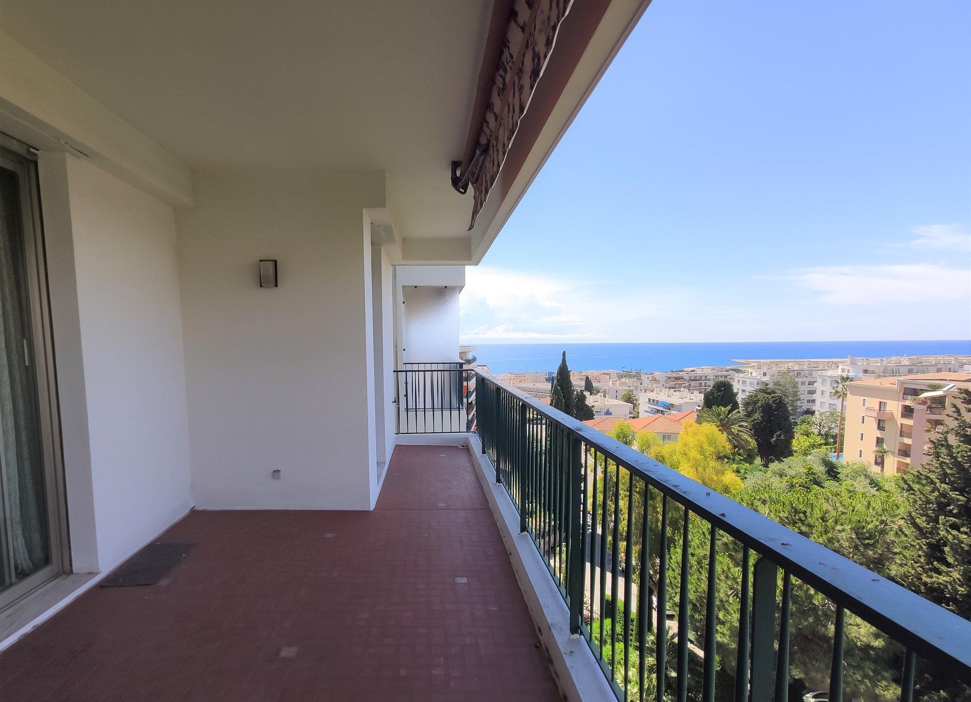 2 pièces à Nice, vue panoramique mer.