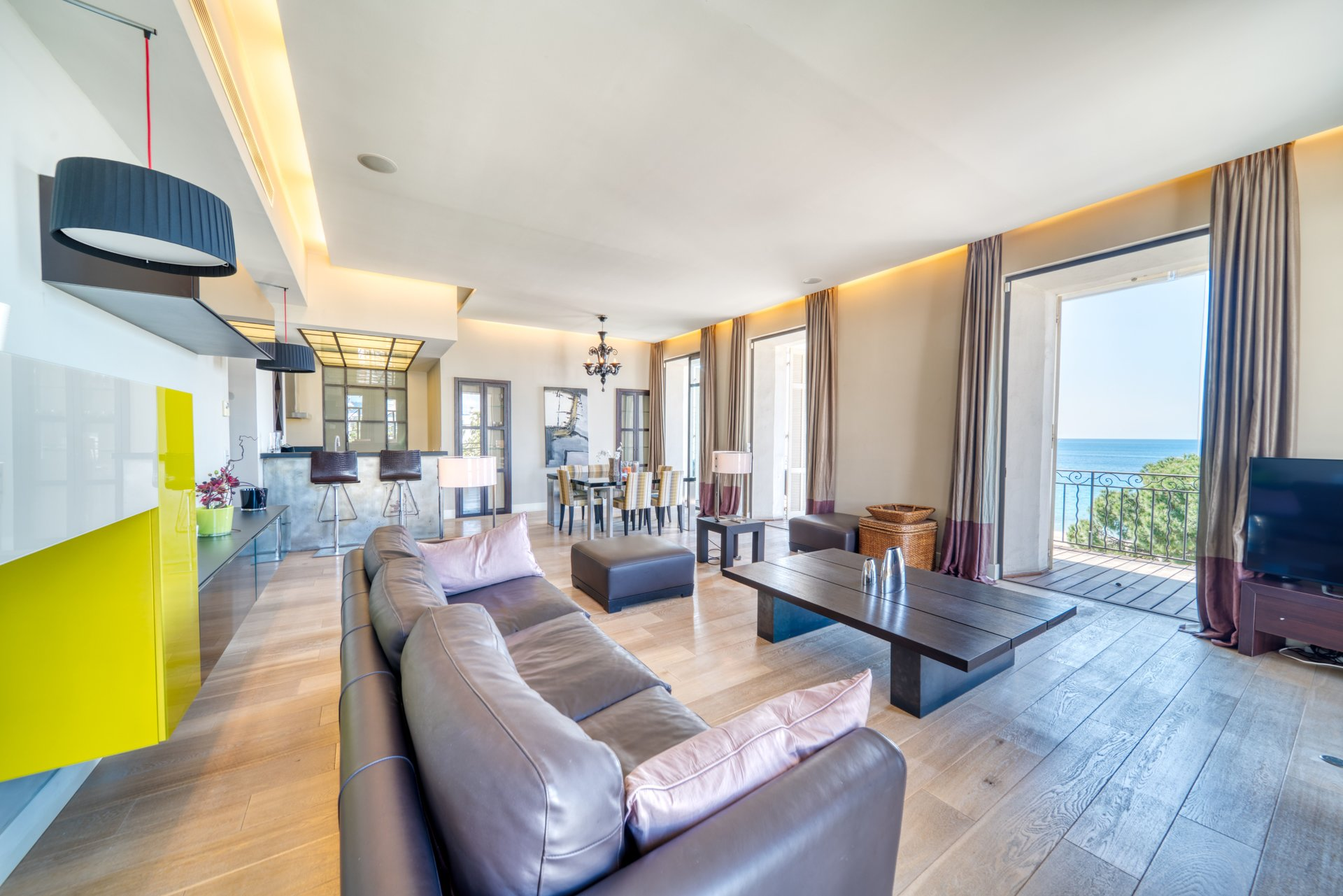 CANNES Croisette - Renovated Duplex for sale by CANNES AGENCY