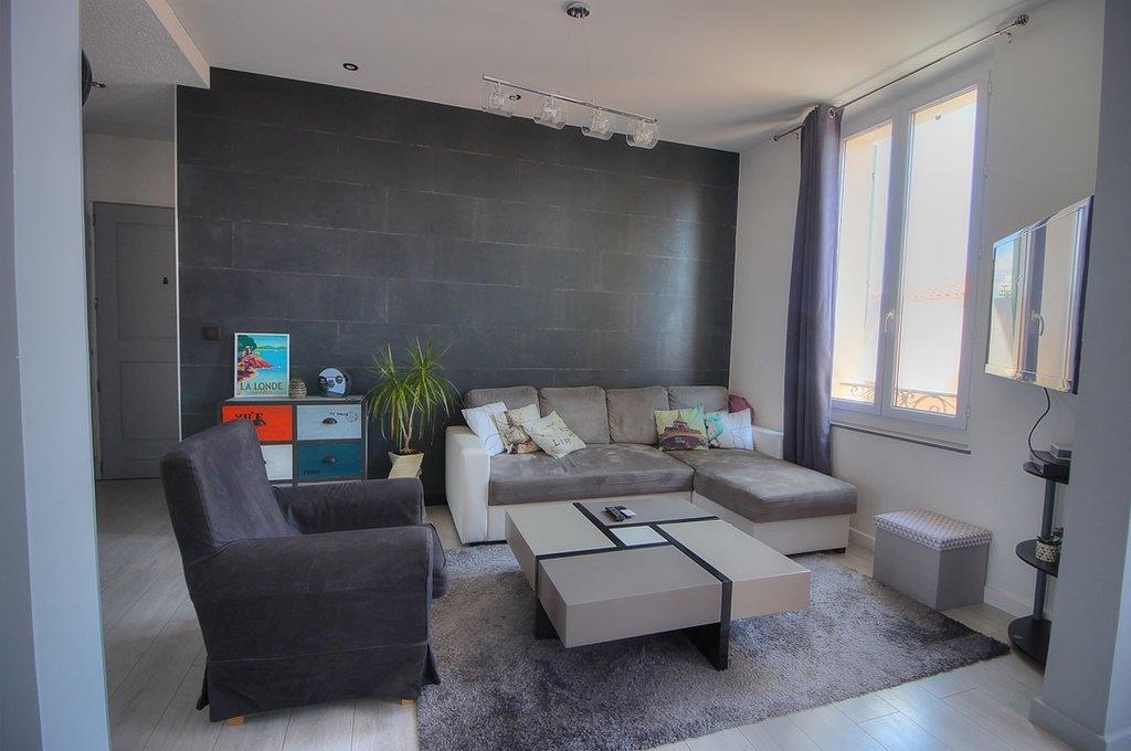 Sale Apartment - La Londe-les-Maures