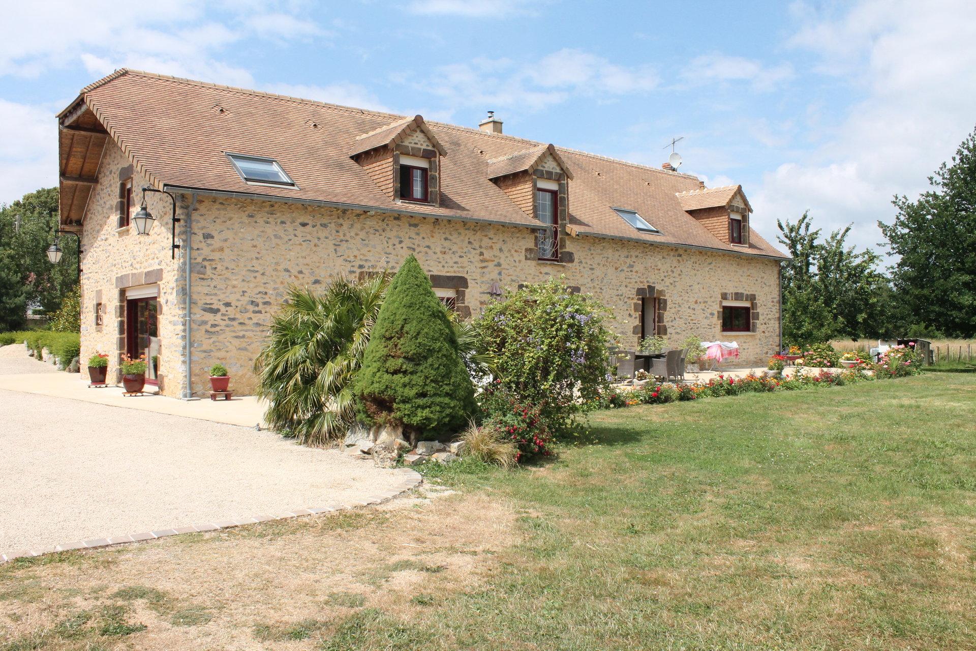 Propriété de 215 M² sur 3 ha de prairies Fresnay sur Sarthe
