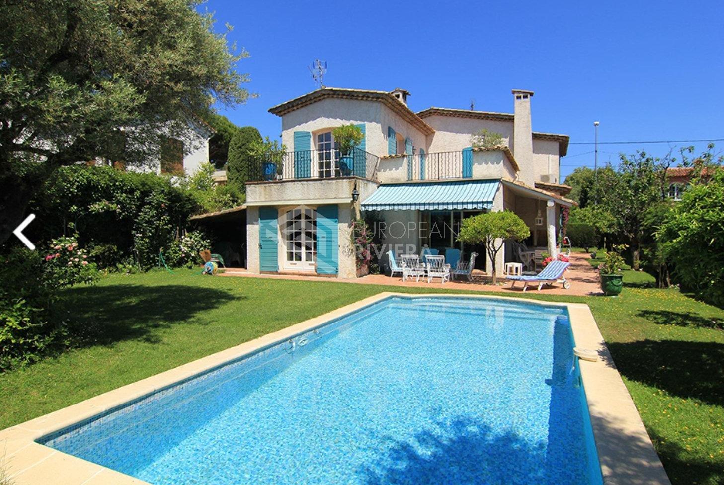 Antibes - Cap d'Antibes - Villa 6 pièces avec piscine et jardin 750m²
