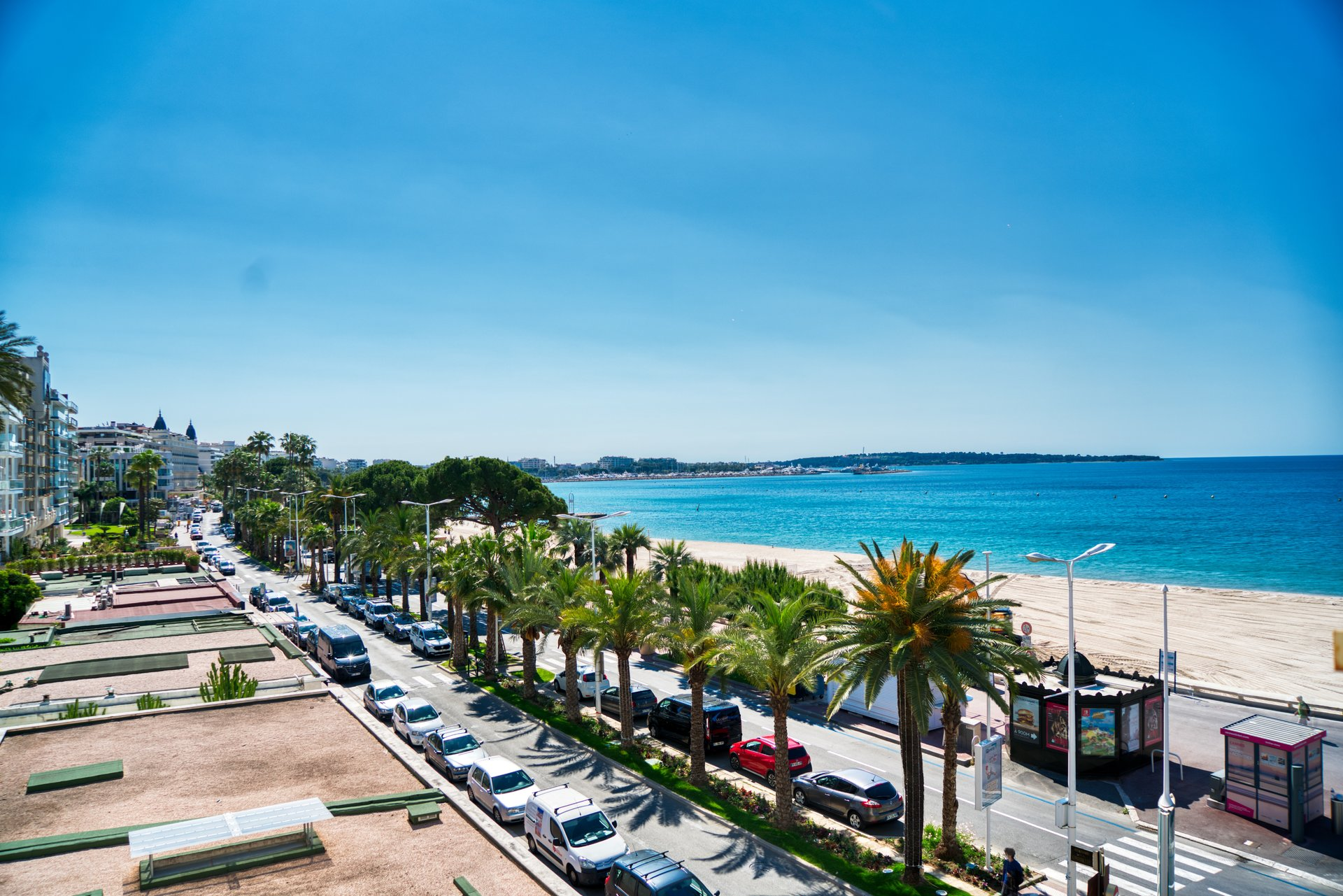 Cannes Croisette large Duplex Panoramic sea view
