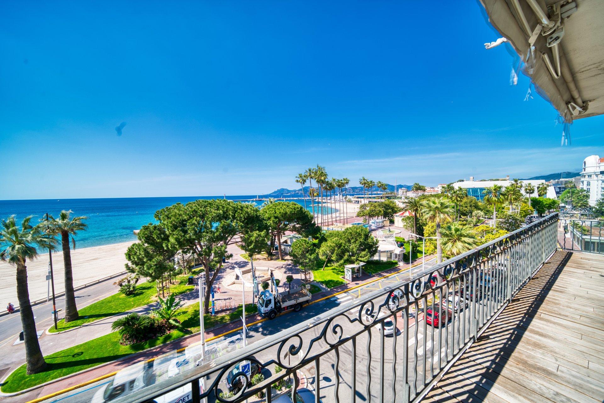 Cannes Croisette Grand Duplex 4 Pièces Vue Mer Panoramique