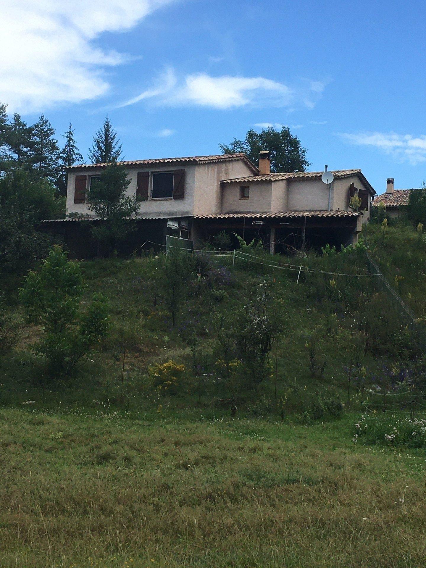 Maison individuelle 4p plain-pied sur terrain 1900m2