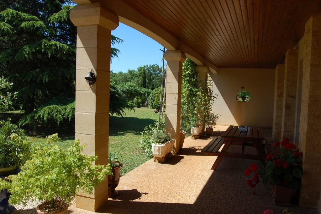 DORDOGNE - Villa on 7.966 m2 with carport and nice views