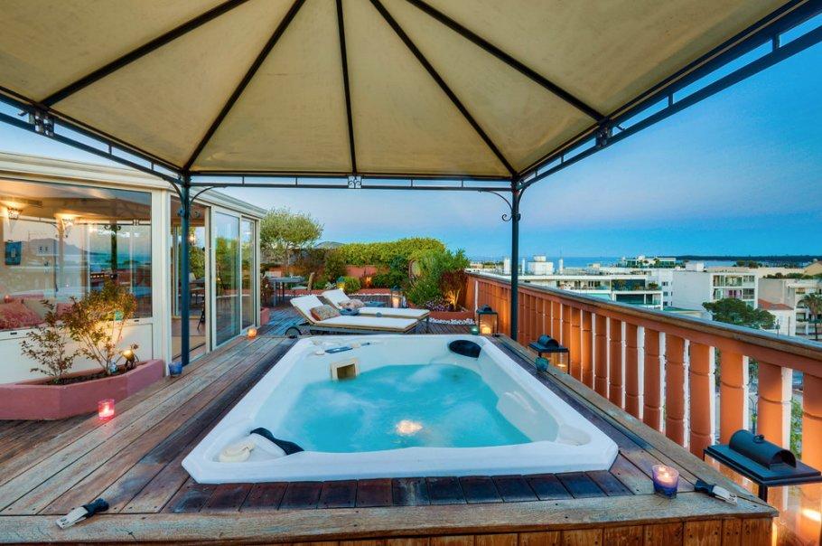 RARE Cannes Palm Beach/Croisette appartement 4 p 124 m2 toit terrasse 130 M2 vue mer