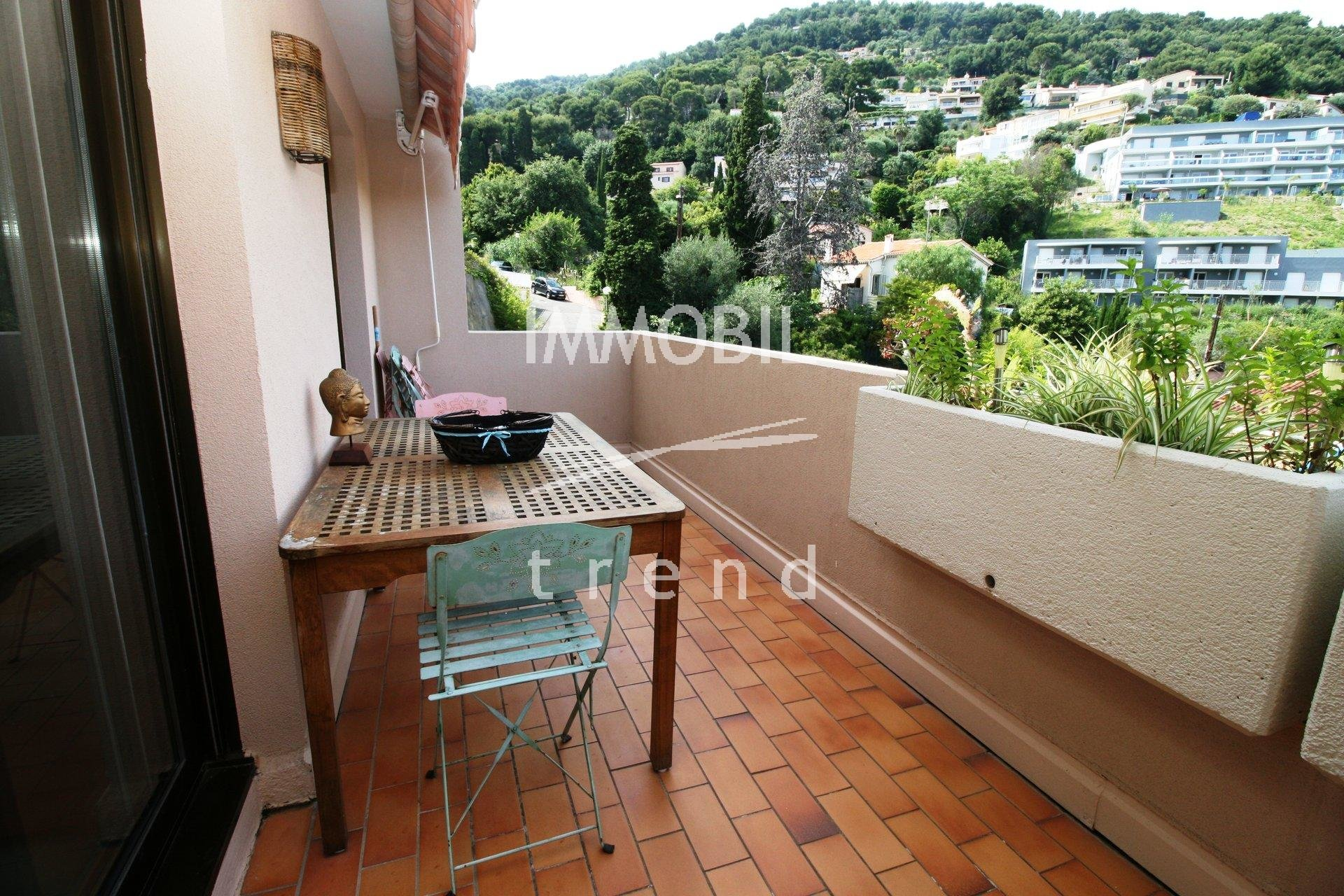 EXCLUSIVITE ROQUEBRUNE CAP MARTIN 4 PIECES 103 m2, TERRASSES, GARAGE ET PARKING